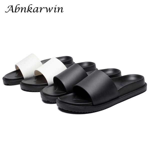 2018 summer men slippers solid outdoor beach sandals male flat black white slides slippers soft sole bathroom skidproof shoes