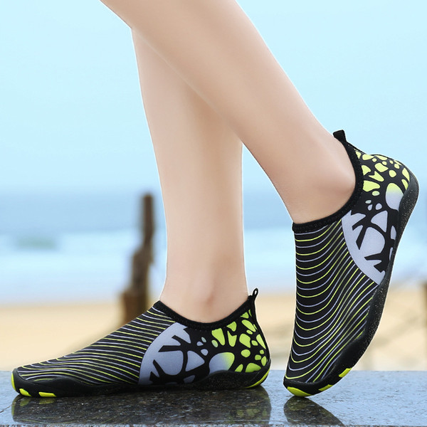 Swimming beach shoes fitness yoga leisure sports running soft bottom related to the breathable quick-drying hiking men women