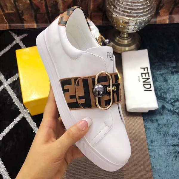2019i new limited edition ladies fashion casual shoes, fashion wild sports shoes, lace-up shoes, original packaging delivery 35-45