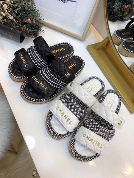 2019 new hot leather chain platform sandals luxury female designer outdoor beach fashion casual rubber sandals