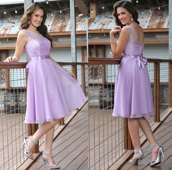 Elegant A-Line Lace Bridesmaid Dresses Bateau Neck Lavender Chiffon Sleeveless Ribbon Bow Zipper Back Knee-Length 2015 Evening Party Gowns