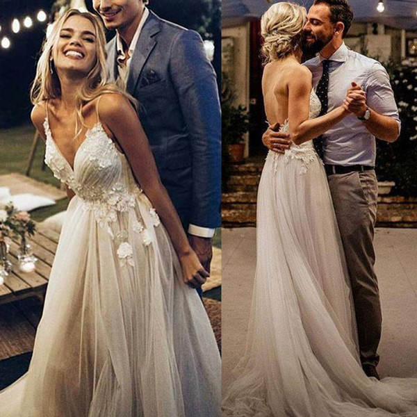Boho Wedding Dress 2019 Appliqued with Flowers Tulle A-Line Sexy Backless Beach Bride Dress Wedding Gown DA033