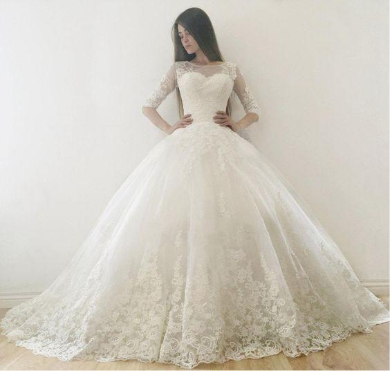 2019 Simple Ball Gown Wedding Dresses Simple 1/2 Long Sleeve Wedding Dresses Lace Applique Jewel Neck Wedding Dress Bridal Gowns